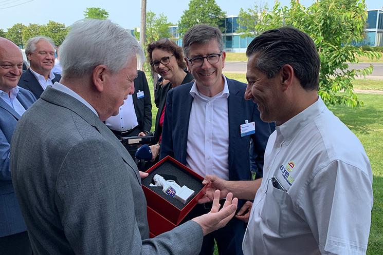 Bender reist mit hessischem Ministerpräsidenten nach USA und Kanada